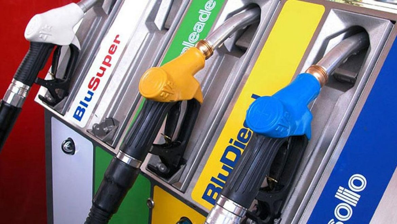 Le Iene indagano su una presunta truffa nella compravendita di carburante dall'est Europa verso l'Italia